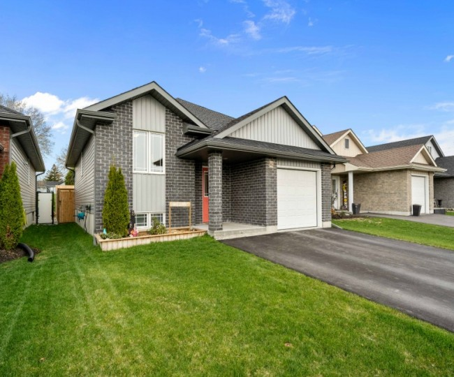 162 Greenhill Lane, Belleville